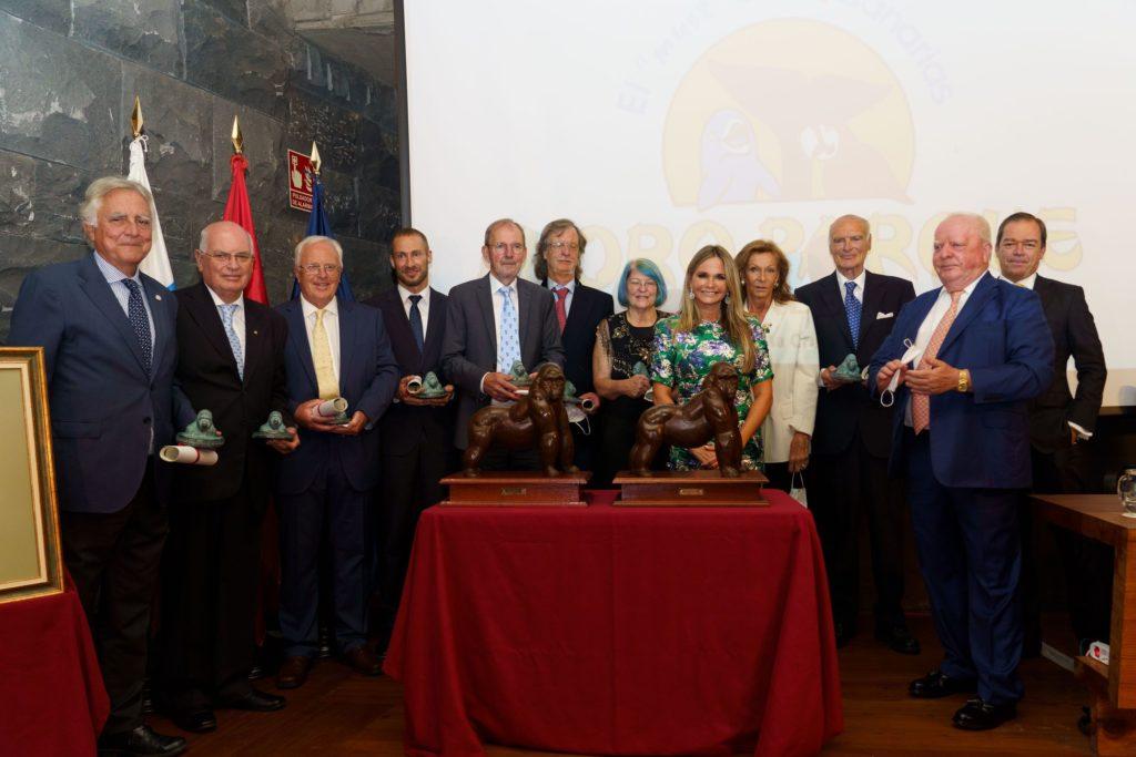 Foto de Loro Parque entrega el Premio Gorila 2019 y 2020 a la Dra.